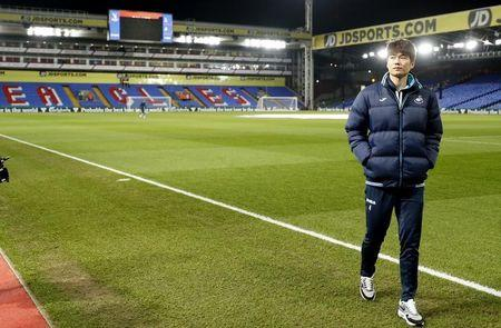 Swansea's Ki Sung-yueng before the match