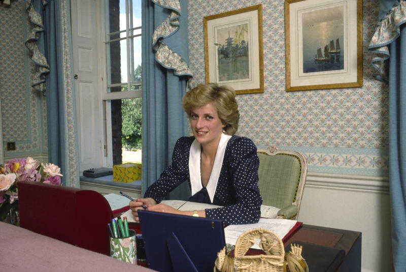 Princess Diana sitting at her desk in Kensington Palace in 1985. [Photo: Getty]