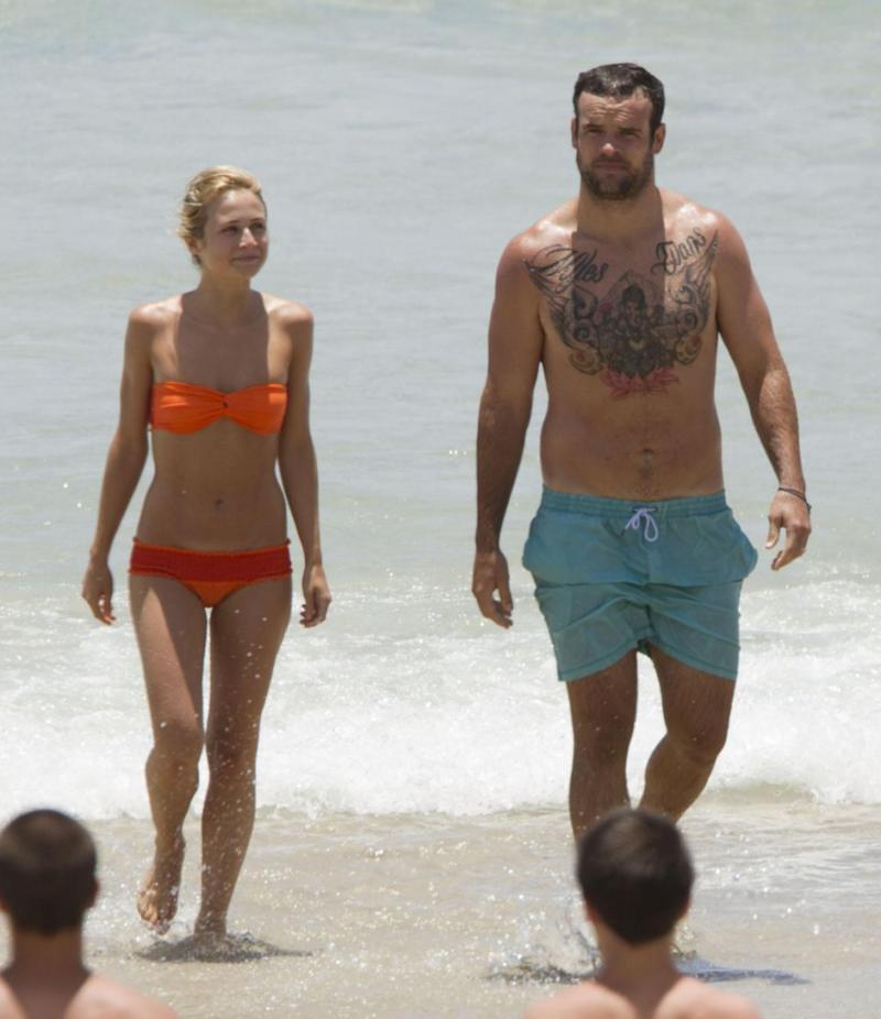 Tessa James and Nate Myles enjoy a New Year's holiday at Byron Bay. December, 2011. Source: Media-Mode