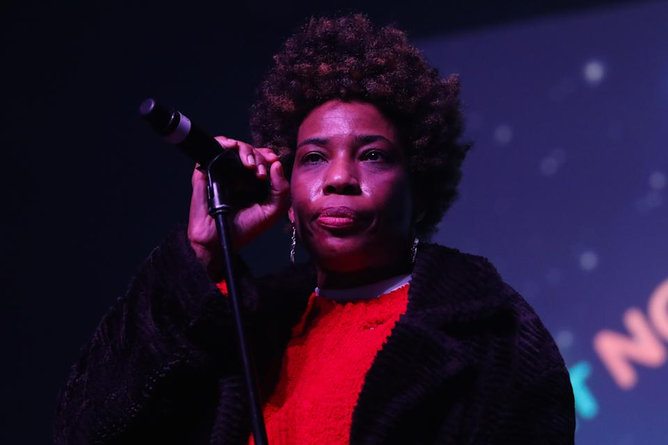 Macy Gray doubles down on wanting to redesign the American flag.