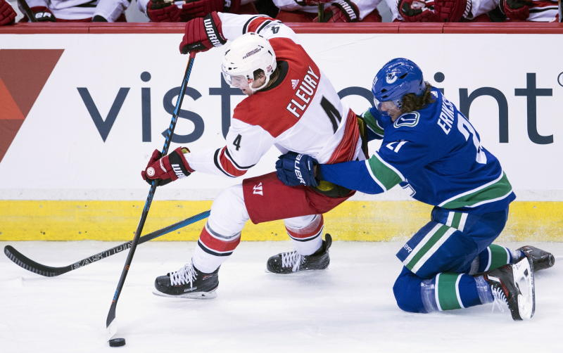 Dundon signs purchase agreement to buy Carolina Hurricanes