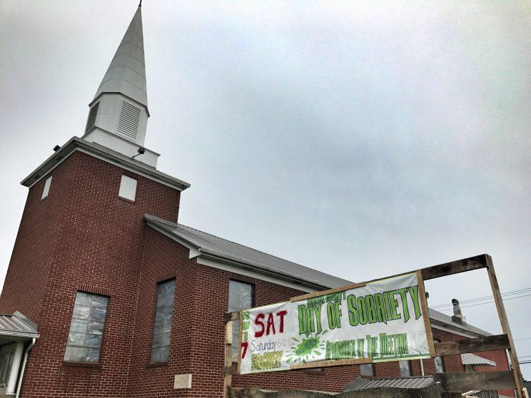 "A church advertises a ""Day of Sobriety"" in Point Pleasant, W.V. (Photo: Holly Bailey/Yahoo News)"