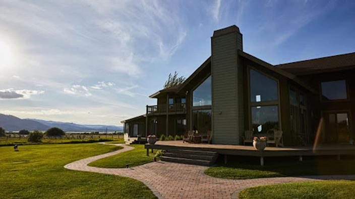 """<div class=""""inline-image__caption""""><p>Idaho's Dreamcatcher Bed and Breakfast, between Driggs and Victor, sits on 20 acres. Surprisingly, the breakfasts are the highlight.</p></div> <div class=""""inline-image__credit"""">Courtesy of Winston Ross</div>"""