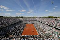 View of center court Philippe Chatrier as France's Richard Gasquet plays his third round match of the French Open tennis against South Africa's Kevin Anderson at the Roland Garros stadium, in Paris, France, Saturday, May 30, 2015. (AP Photo/Francois Mori)