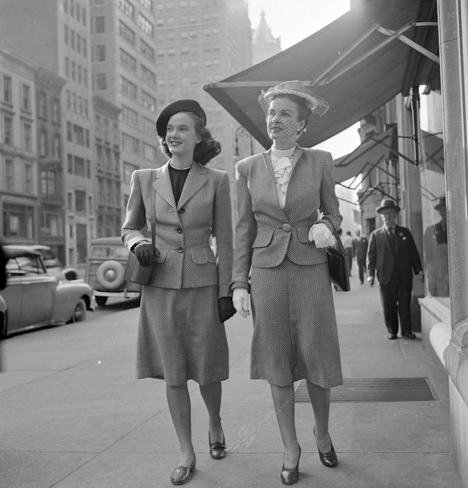 <p>These skirt-suited ladies are literally on their way to rule the city. </p>