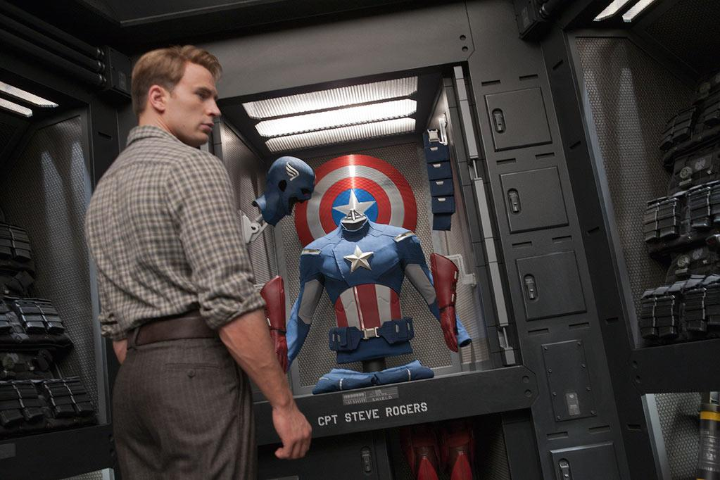 "<a href=""http://movies.yahoo.com/movie/contributor/1803006988"">Chris Evans</a> in Marvel's The Avengers - 2012"