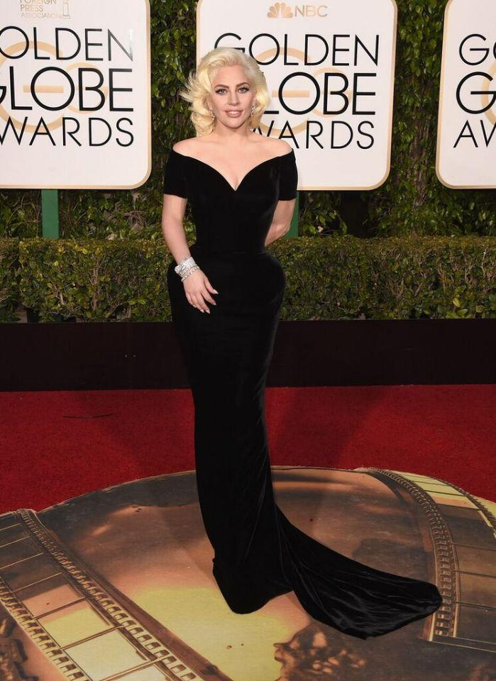 Lady Gaga appeared tattoo-free at the 2016 Golden Globes. (Photo: Getty)