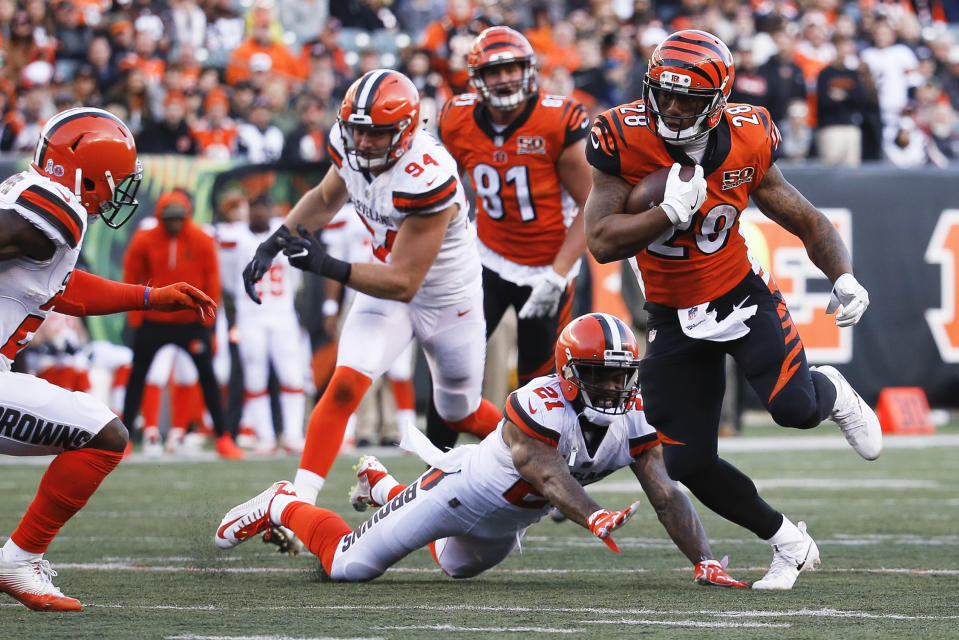 Celebrate the stink: a Cleveland Browns fan wants to hold a parade if the team completes a perfect 0-16 season. (AP)