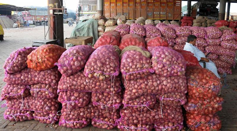 Onion Export Ban Relaxed? Government Allows Export of Onions Laying at Ports to Bangladesh And Other Countries, Say Reports