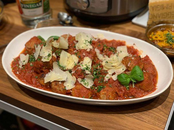 PHOTO: Chef Geoffrey Zakarian's meatballs and tomato sauce made in an Instant Pot. (ABC News)