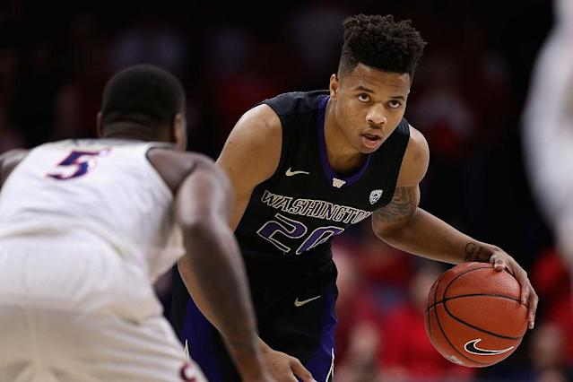 Markelle Fultz gets ready to attack. (Getty Images)