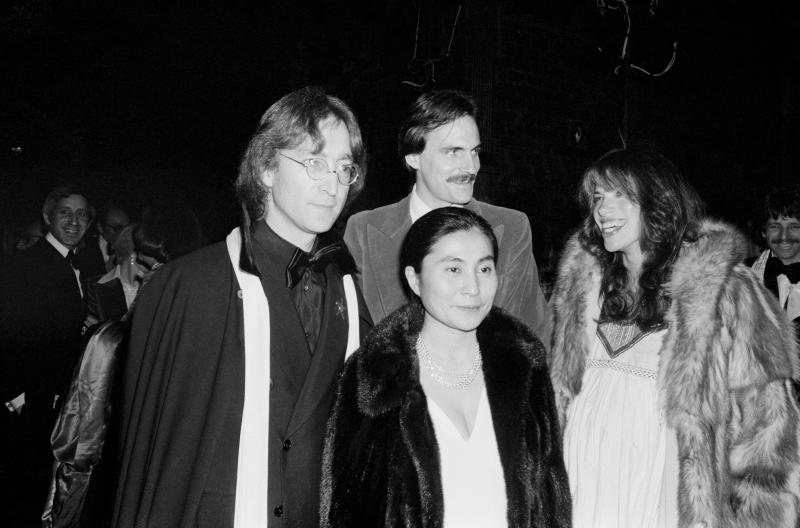 Carly Simon (pregnant) Yoko Ono James Taylor and John Lennon; circa 1960; New York. (Photo by Art Zelin/Getty Images)