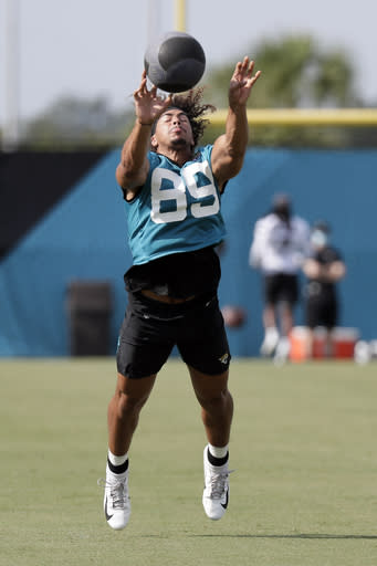 Jags place Oliver on IR, ending his season prematurely again
