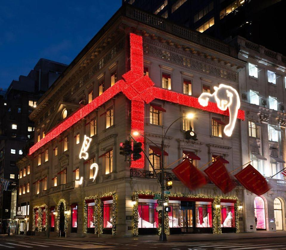<p>Nothing beats the sensation of seeing a red Cartier box sitting under a Christmas tree. But what does come close is looking at the larger-than-life, sparkling red ribbon that wraps around the jeweler's Fifth Avenue store. </p>