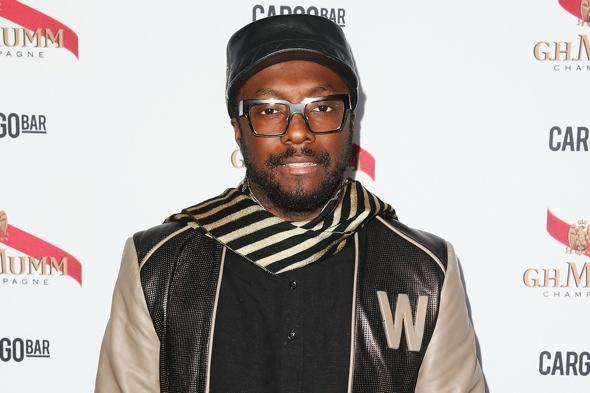 Will.i.am tweets United Ailrines gave away his seat on flight to China