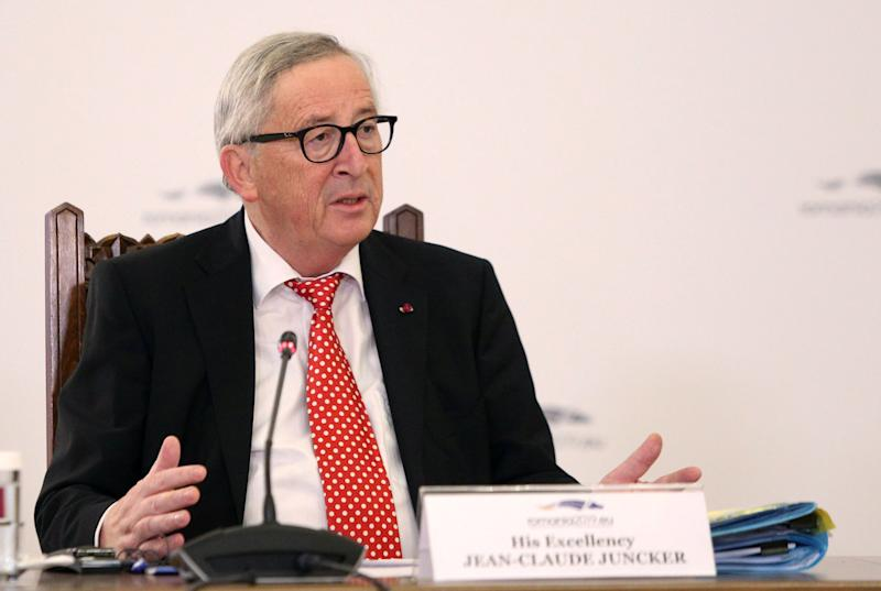 EU Wobbling, Juncker Admits No Deal Brexit 'Would Be a Catastrophe'