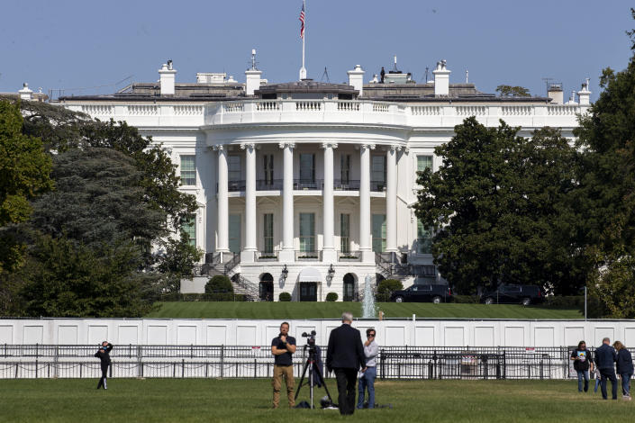 A view of the White House on Sunday morning, while U.S. President Donald Trump is at Walter Reed National Military Medical Center on October 4, 2020 in Washington, DC. (Tasos Katopodis/Getty Images)