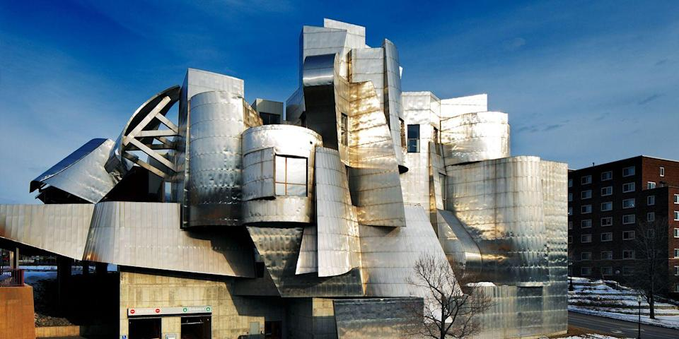 """<p><strong>Best for Midwestern Museums</strong></p><p>Minneapolis is full of fab museums, including the <a href=""""https://go.redirectingat.com?id=74968X1596630&url=https%3A%2F%2Fwww.tripadvisor.com%2FAttraction_Review-g43323-d134875-Reviews-Walker_Art_Center-Minneapolis_Minnesota.html&sref=https%3A%2F%2Fwww.countryliving.com%2Flife%2Fg37186621%2Fbest-places-to-experience-and-visit-in-the-usa%2F"""" rel=""""nofollow noopener"""" target=""""_blank"""" data-ylk=""""slk:Walker Art Center"""" class=""""link rapid-noclick-resp"""">Walker Art Center</a>, featuring works from Jasper Johns and Chuck Close, and the recently renovated <a href=""""https://go.redirectingat.com?id=74968X1596630&url=https%3A%2F%2Fwww.tripadvisor.com%2FAttraction_Review-g43323-d103997-Reviews-Minneapolis_Sculpture_Garden-Minneapolis_Minnesota.html&sref=https%3A%2F%2Fwww.countryliving.com%2Flife%2Fg37186621%2Fbest-places-to-experience-and-visit-in-the-usa%2F"""" rel=""""nofollow noopener"""" target=""""_blank"""" data-ylk=""""slk:Minneapolis Sculpture Garden"""" class=""""link rapid-noclick-resp"""">Minneapolis Sculpture Garden</a>, known for its famous """"Spoonbridge and Cherry"""" sculpture. The Frank Gehry-designed Weisman Art Museum and the Mill City Museum are others to keep in mind, too.</p><p><strong><em>Where to Stay: </em></strong><a href=""""https://go.redirectingat.com?id=74968X1596630&url=https%3A%2F%2Fwww.tripadvisor.com%2FHotel_Review-g43323-d10812456-Reviews-Hewing_Hotel-Minneapolis_Minnesota.html&sref=https%3A%2F%2Fwww.countryliving.com%2Flife%2Fg37186621%2Fbest-places-to-experience-and-visit-in-the-usa%2F"""" rel=""""nofollow noopener"""" target=""""_blank"""" data-ylk=""""slk:Hewing Hotel"""" class=""""link rapid-noclick-resp"""">Hewing Hotel</a>, <a href=""""https://go.redirectingat.com?id=74968X1596630&url=https%3A%2F%2Fwww.tripadvisor.com%2FHotel_Review-g43323-d649095-Reviews-The_Westin_Minneapolis-Minneapolis_Minnesota.html&sref=https%3A%2F%2Fwww.countryliving.com%2Flife%2Fg37186621%2Fbest-places-to-experience-and-visit-in-the-usa%2F"""" rel=""""nofollow noopener"""" target=""""_blan"""