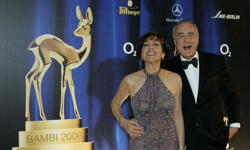 Swiss anchor couple Paola and Kurt Felix arrive on the red carpet for the 58th Bambi media awards ceremony in the southern German town of Stuttgart November 30, 2006. Each year, the German media company 'Hubert Burda Media', honours celebrities from the world of entertainment, literature, sport and politics. REUTERS/Michaela Rehle (GERMANY)