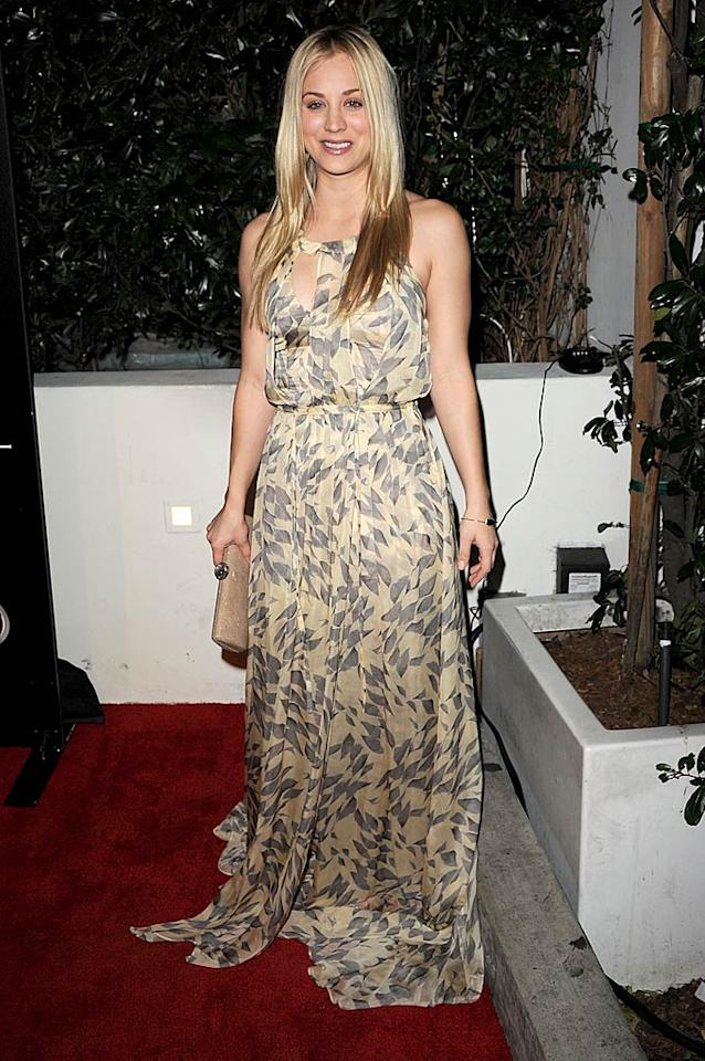 """The Big Bang Theory's"" Kaley Cuoco sported a flowing dress and limp locks for the occasion. Jason Merritt/<a href=""http://www.gettyimages.com/"" target=""new"">GettyImages.com</a> - January 9, 2011"