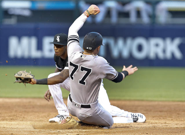 New York Yankees' Clint Frazier is caught stealing second base by Chicago White Sox shortstop Tim Anderson during the second inning of a baseball game Thursday, June 13, 2019, in Chicago. (AP Photo/Nuccio DiNuzzo)