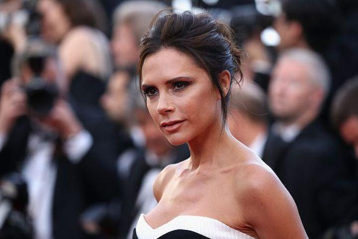 "<img alt=""""/><p>Fashion icon Victoria Beckham ditched her <a rel=""nofollow"" href=""http://mashable.com/2015/08/07/spice-girls-tour/?utm_campaign=mash-prod-synd-apple-all-full&utm_cid=mash-prod-synd-apple-all-full"">Spice Girls</a> nickname over 20 years ago, but that doesn't mean her pop star persona Posh Spice can't reappear every now and again.</p> <div><p>SEE ALSO: <a rel=""nofollow"" href=""http://mashable.com/2017/03/22/woman-sends-kind-note-to-drive-thru-attendant/?utm_campaign=mash-prod-synd-apple-all-full&utm_cid=mash-prod-synd-apple-all-full"">A woman apologizes to a drive-thru attendant with the kindest inspirational note</a></p></div> <p><img title=""The Spice Girls performing at the 2012 Olympic Games Closing Ceremony"" alt=""The Spice Girls performing at the 2012 Olympic Games Closing Ceremony""></p> <p>The Spice Girls performing at the 2012 Olympic Games Closing Ceremony</p><div><p>Image:  Jeff J Mitchell/Getty Images</p></div><p>In a photo posted on <a rel=""nofollow"" href=""https://www.instagram.com/romeobeckham/"">Instagram</a> by her son, <a rel=""nofollow"" href=""http://mashable.com/2012/12/17/romeo-beckham-burberry/?utm_campaign=mash-prod-synd-apple-all-full&utm_cid=mash-prod-synd-apple-all-full"">Burberry model Romeo Beckham</a>, it looks like a Starbucks barista was a big fan of the British girl group and paid homage to the chic singer on her order in a very Starbucks way.</p> <div> <blockquote><div> <div><div></div></div> <p><a rel=""nofollow"" href=""https://www.instagram.com/p/BR0LD7Egvtb/"">When my mum goes to Starbucks!! 👌</a></p> <p>A post shared by Romeobeckham (@romeobeckham) on Mar 19, 2017 at 2:47am PDT</p>  </div></blockquote>   </div> <p>When everyone knows you by your alter-ego, you know you've made it. She may have retired the nickname, but the attitude is forever.</p> <p>Girl power!</p> <div> <h2>WATCH: This nail polish is made from prosecco — making you both sparkly and tipsy</h2> <div></div> </div>"