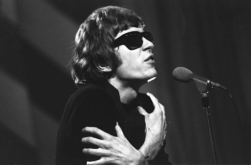 Experimental Singer-Songwriter Scott Walker Dies at 76