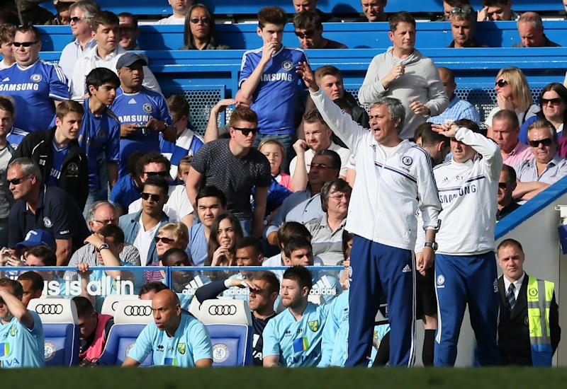 Mourinho fined after sarcastic praise for referee