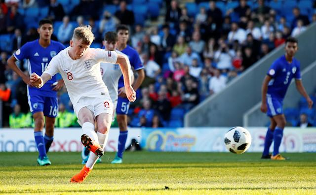Soccer Football - UEFA European Under-17 Championship - Group A - England v Israel - Proact Stadium, Chesterfield, Britain - May 4, 2018 England's Thomas Doyle scores their first goal from the penalty spot Action Images via Reuters/Jason Cairnduff