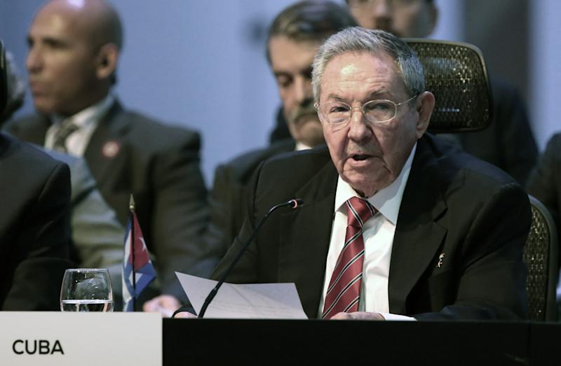 A handout picture released by Costa Rica's presidency shows Cuban President Raul Castro delivering a speech during the inauguration of the III CELAC Summit 2015, 20 km northwest of San Jose, on January 28, 2015 (AFP Photo/Roberto Sanchez)