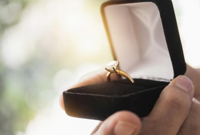 Would you give away an engagement ring? (Photo: Tetra Images/Getty Images)