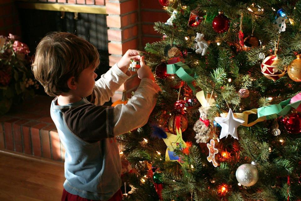 """<span class=""""caption"""">Decorated with ornaments purchased, created and inherited for years, even generations, Christmas trees are a reflection of a family's history and tastes.</span> <span class=""""attribution""""><a class=""""link rapid-noclick-resp"""" href=""""https://flic.kr/p/7j8ZcZ"""" rel=""""nofollow noopener"""" target=""""_blank"""" data-ylk=""""slk:John Morgan/flickr"""">John Morgan/flickr</a>, <a class=""""link rapid-noclick-resp"""" href=""""http://creativecommons.org/licenses/by-sa/4.0/"""" rel=""""nofollow noopener"""" target=""""_blank"""" data-ylk=""""slk:CC BY-SA"""">CC BY-SA</a></span>"""