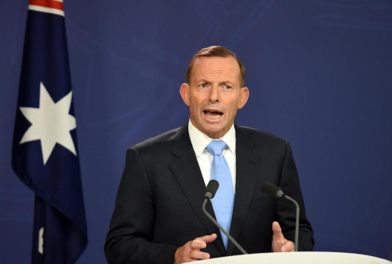 Australian Prime Minister Tony Abbott speaks during a press conference in Sydney on February 6, 2015 (AFP Photo/Saeed Khan)