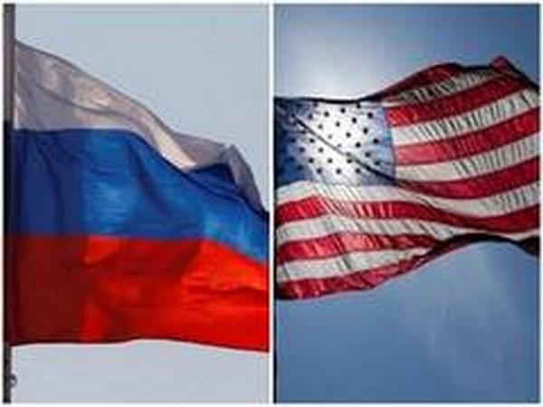 Flags of Russia and United States