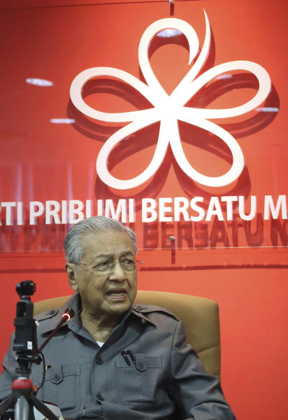 Former Prime Minister Mahathir Mohamad speaks during a press conference at his party headquarters in Petaling Jaya, Malaysia, Friday, May 29, 2020. Mahathir has been ousted from his Malay party in the latest twist to a power struggle with his successor Muhyiddin Yassin, but he has vowed to challenge it. (AP Photo)