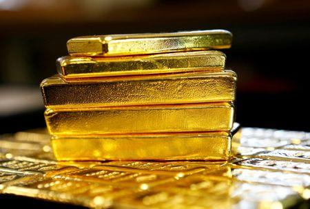 Stronger Dollar, Waning Trade Worries Hurt Gold