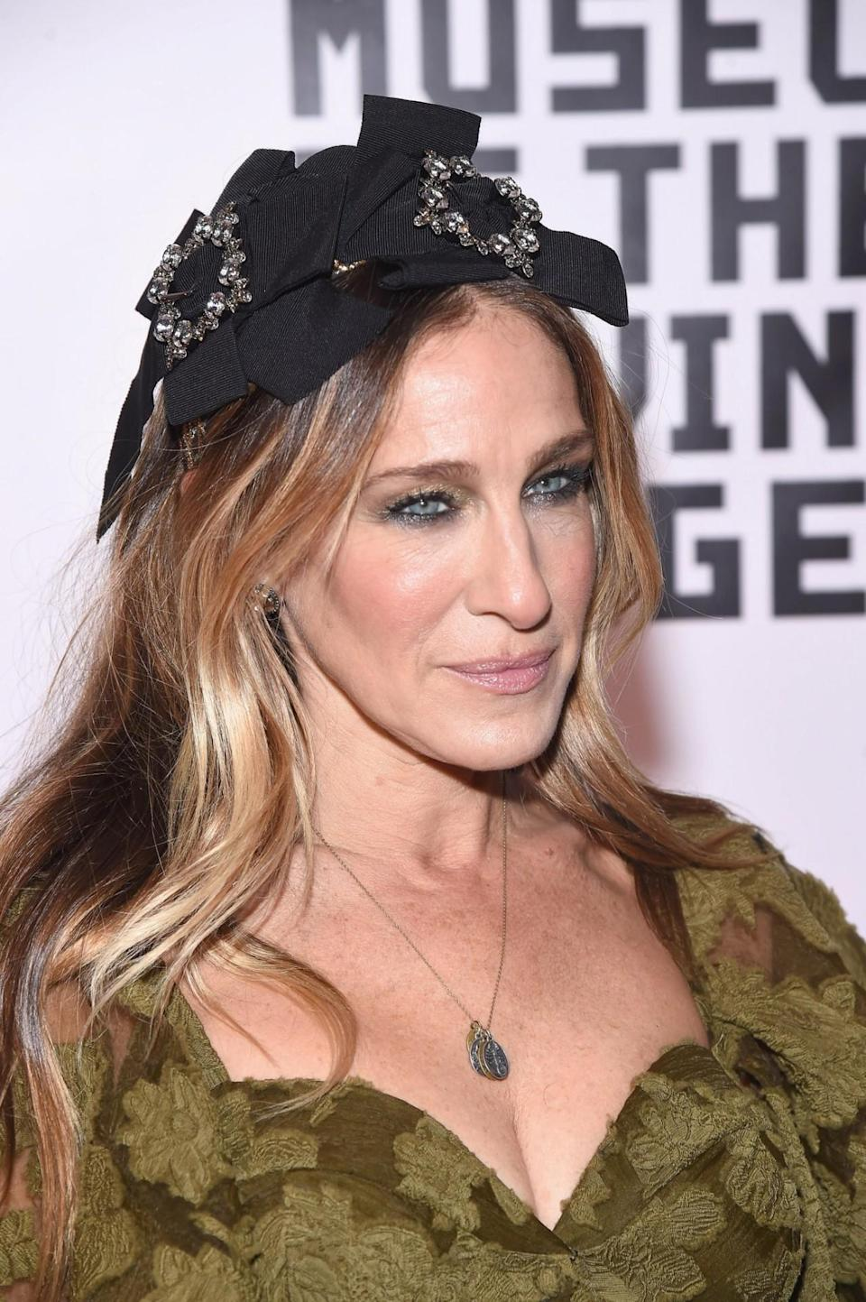 <p>This may be SJP's version of Jackie Kennedy's famous pillbox hats. </p>