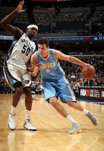 MEMPHIS, TN - NOVEMBER 19: Danilo Gallinari #8 of the Denver Nuggets drives against Zach Randolph #50 of the Memphis Grizzlies on November 19, 2012 at FedExForum in Memphis, Tennessee. (Photo by Joe Murphy/NBAE via Getty Images)