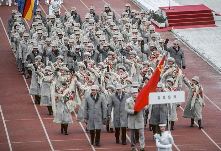 <p>After much discord between the nations, both the United States <em>and </em>the USSR attended the Winter Olympics in Sarajevo. The parade's order of nations adhered to the Olympic tradition: Greece leads the procession and the host nation closes the parade, with countries appearing alphabetically. In this Olympics, the order was in accordance with the Serbo-Croatian alphabet.</p>