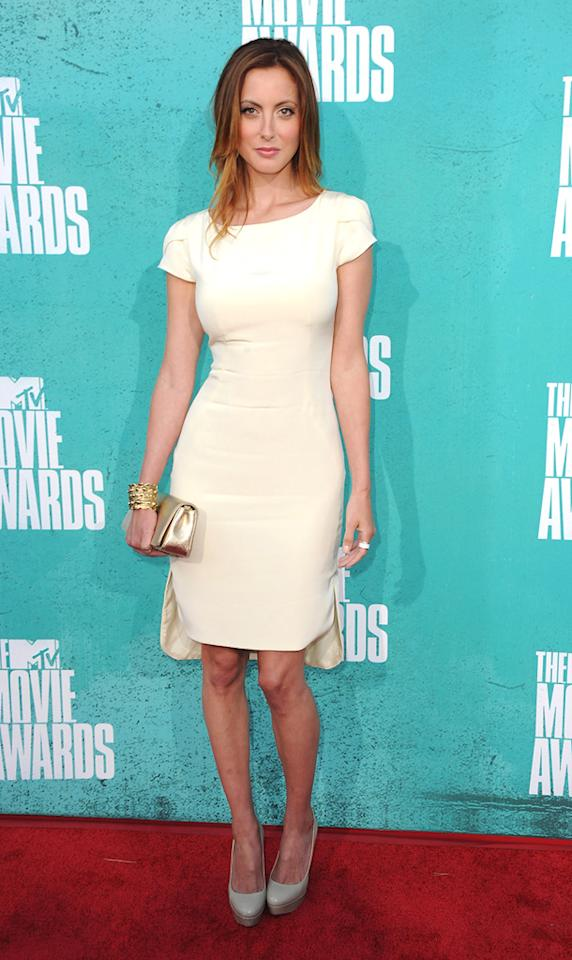 Eva Amuri arrives at the 2012 MTV Movie Awards.
