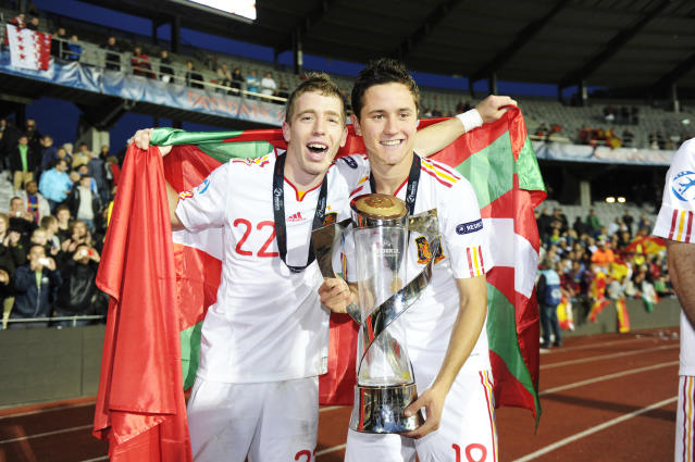 Iker Muniain (L) and first goal scorer Ander Herrera of Spain celebrate with the trophy at the end of the UEFA Under-21 European Championship final match Spain vs Switzerland at the Aarhus Stadium, on June 25, 2011. Spain won the final 2-0.AFP PHOTO/JONATHAN NACKSTRAND (Photo credit should read JONATHAN NACKSTRAND/AFP/Getty Images)