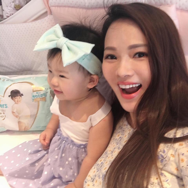 Taiwanese singer Annie Yi has vowed to take cyberbullies on after nasty comments were made against her daughter three-year-old daughter Milly. — Picture via Facebook annieyi201234