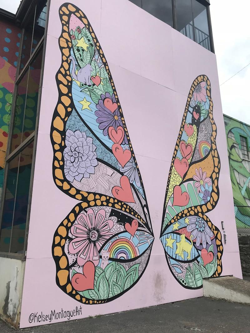 Taylor Swift fans are convinced a new Nashville mural is tied to her April 26 countdown