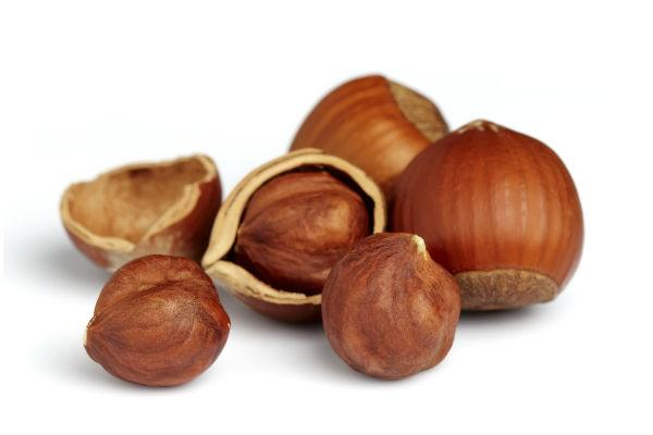 <p><strong>Ingredients: For The Hazelnut Praline</strong>: <br />1/2 cup coarsely chopped hazelnut <br />1/4 cup castor sugar </p>