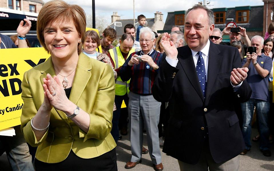 Nicola Sturgeon and Alex Salmond on the campaign trail in the 2015 general election - Reuters