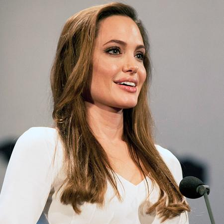 Angelina Jolie 'eager to spend time with dad'