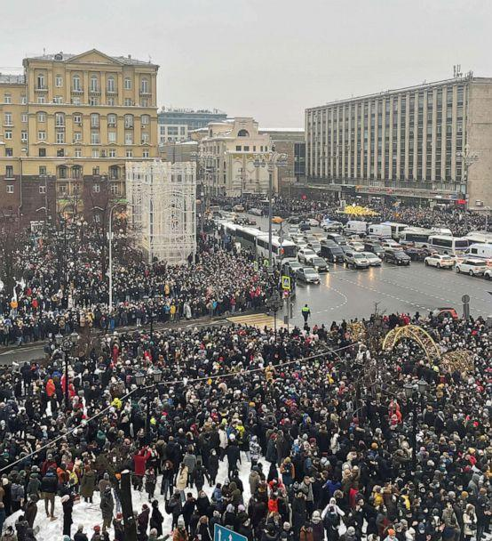 PHOTO: People attend a rally in support of jailed Russian opposition leader Alexey Navalny in Moscow, Russia Jan. 23, 2021. (Reuters)
