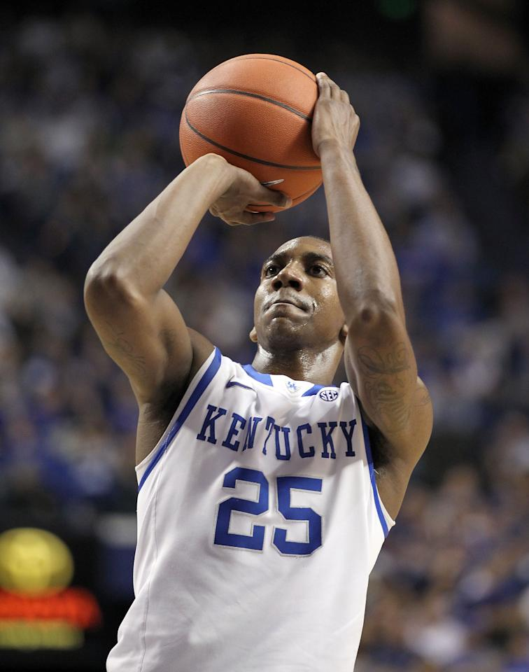 LEXINGTON, KY - FEBRUARY 18:  Marquis Teague #25 of the Kentucky Wildcats shoots the ball during the game against the Ole Miss Rebels at Rupp Arena on February 18, 2012 in Lexington, Kentucky.  (Photo by Andy Lyons/Getty Images)
