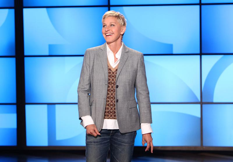 """FILE- This Sept. 26, 2011, file photo, originally provided by Warner Bros., shows Ellen DeGeneres during a taping of """"The Ellen DeGeneres Show"""" in Burbank, Calif. Chef and cookbook author Roberto Martin featured in """"Vegan Cooking for Carnivores,"""" is the personal chef to comedian and TV host Ellen DeGeneres, who is a vegan. (AP Photo/Warner Bros., Michael Rozman, File)"""
