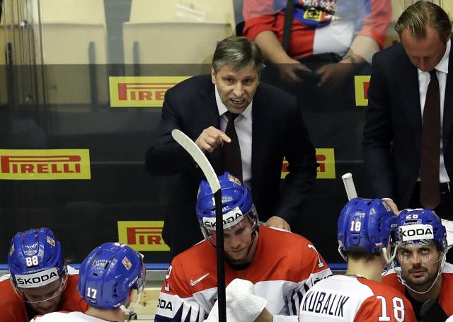 Ice Hockey - 2018 IIHF World Championships - Quarterfinals - USA v Czech Republic - Jyske Bank Boxen - Herning, Denmark - May 17, 2018 - Head coach Josef Jandac of the Czech Republic gestures during the match. REUTERS/David W Cerny